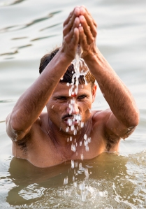 Bathing In The Ganges River To Cleanse Sins