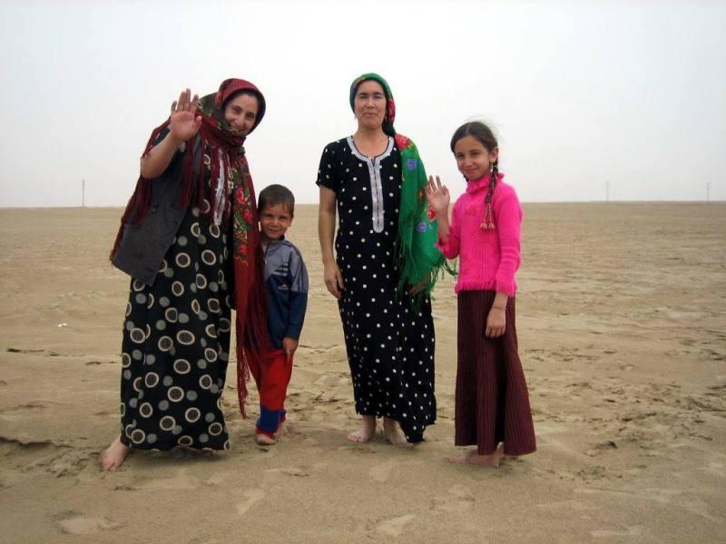 Garagum Çölinden Hemme Dünýädaky Türkmenlere Salam Bolsun